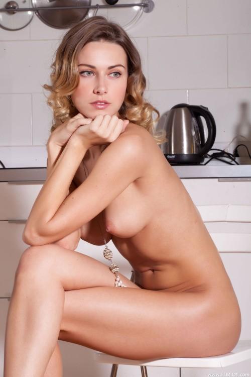 Jolie femme nue intégral