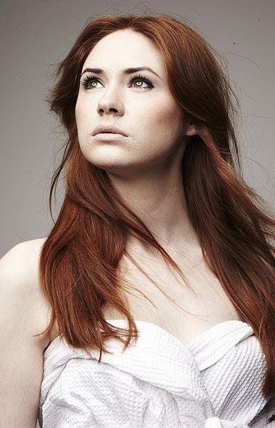 Karen Gillan à poil